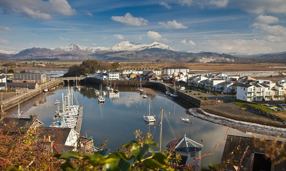 nvw-c69-1112-0311_harbour in winter with moelwyn range covered in snow in background porthmadog_16-08-2017.jpg