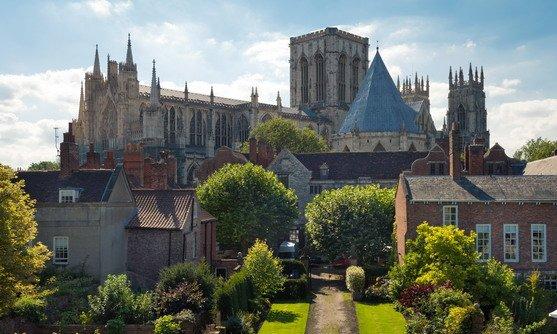 Uitzicht op York minster vanaf de city wall