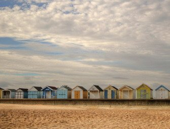 ve17076_a line of beach huts on the lincolnshire coast_07-03-2020.jpg