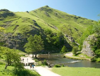 Peak District, Dovedale, stepping stones